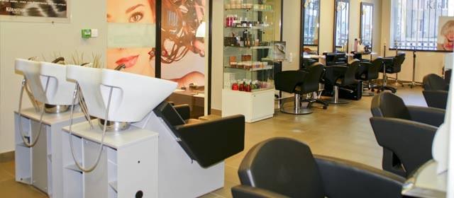 se faire un salon de coiffure chez soi. Black Bedroom Furniture Sets. Home Design Ideas